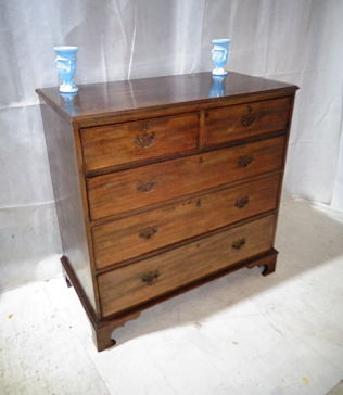 ANTIQUE GEORGE III MAHOGANY CHEST OF DRAWERS c1770-90