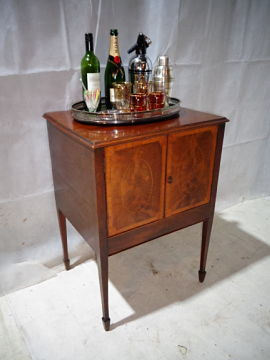 ANTIQUE SHERATON DRINKS CABINET c1790-1800