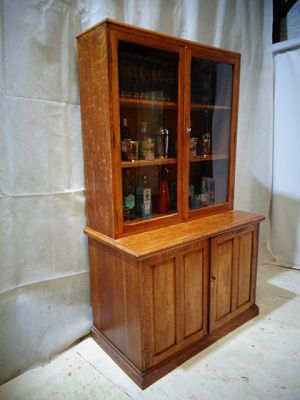ANTIQUE SUPERIOR QUALITY OAK SCHOOL CABINET c1910-30