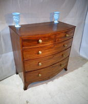 ANTIQUE VICTORIAN MAHOGANY BOWFRONT CHEST OF DRAWERS